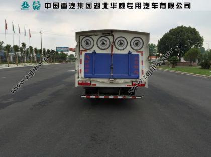 东风多利卡中型吸尘车