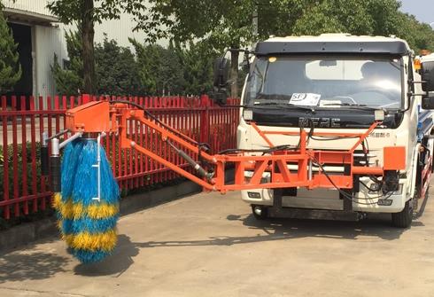 东风多利卡高速路护栏清洗车视频